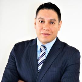 Dr. León Morales-Quezada